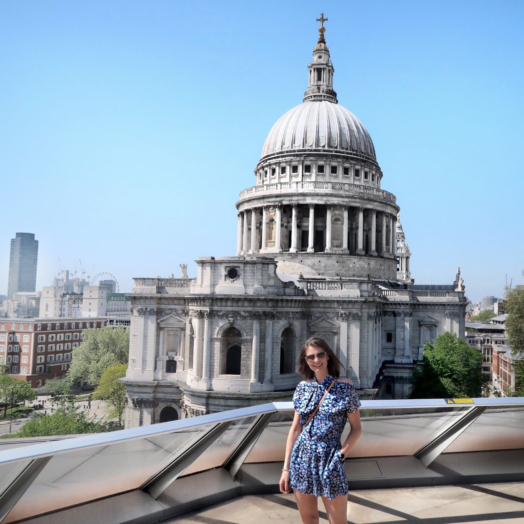 Sunny Summer day in London. St Pauls, #stpauls #londonstyle #jumpsiut #reiss