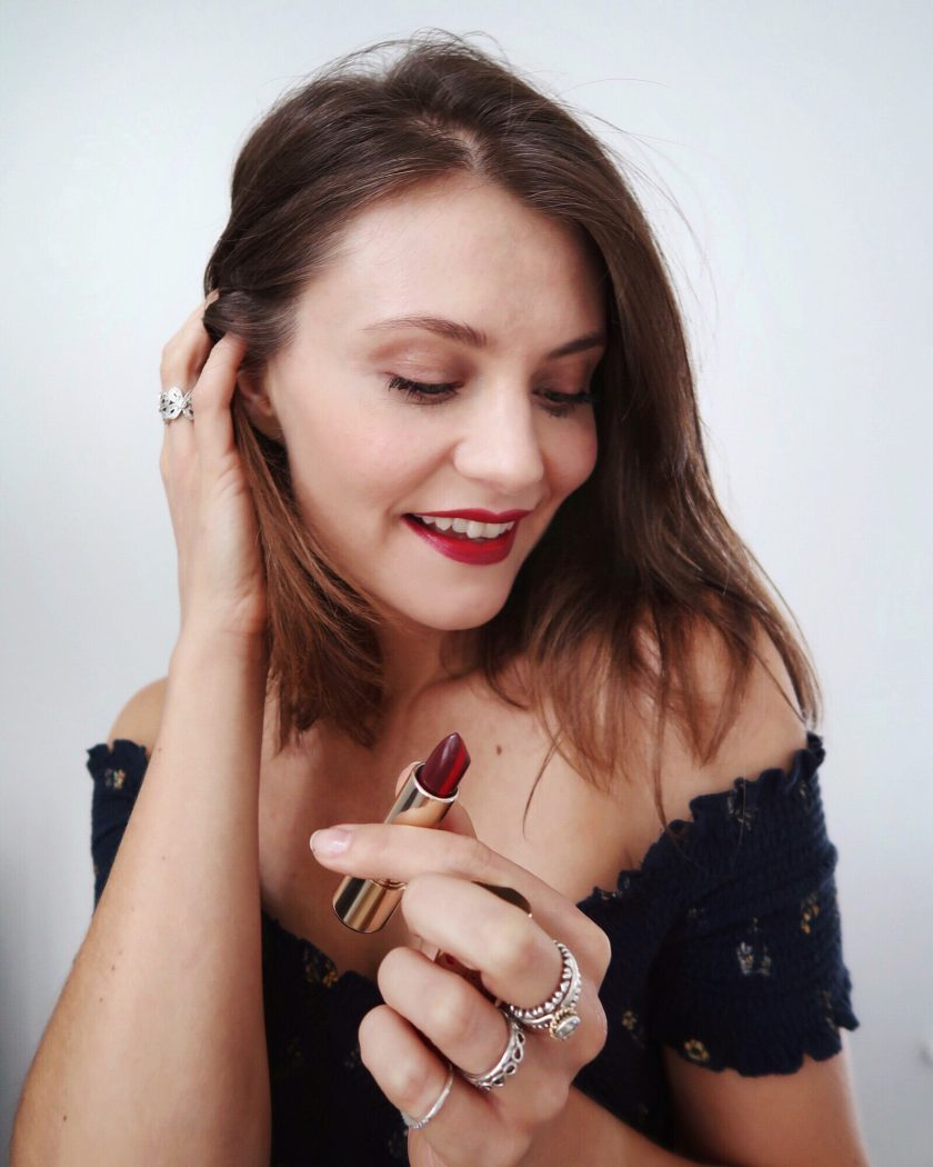 Ewa Wearing Clarins Autumn Collection #showusyourclarins #clarinsmakeup #boldlips