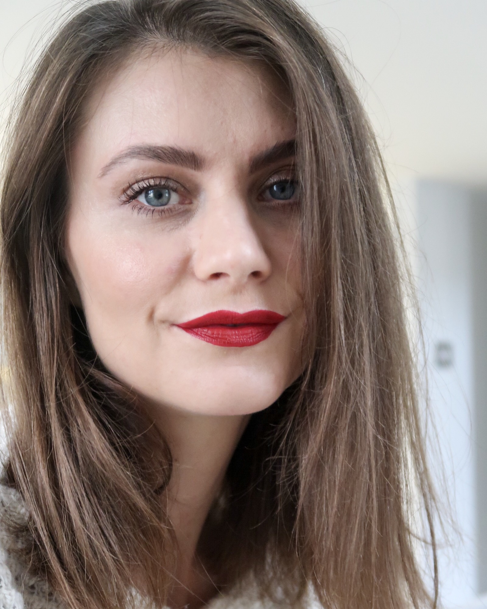 Ewa Blogger from Social Beautify aster using Emma Hardie Purifying Pink Clay Detox Mask.